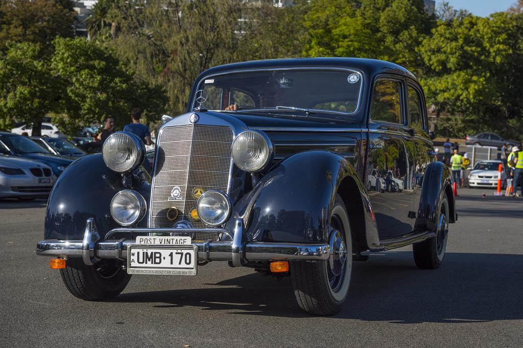 A beautiful W136 170S arrives at the start in East Perth
