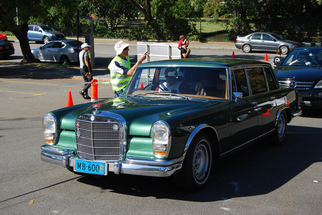 How to make an entrance! A W100 600, the grand Mercedes